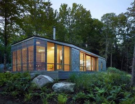 Stealthy Modern Log Cabin in Ontario
