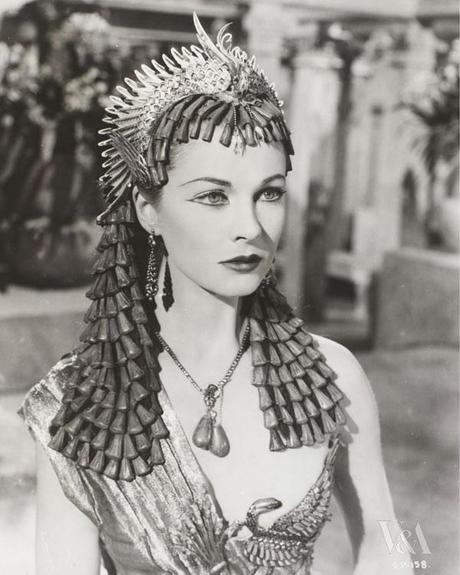Vivien Leigh in Oliver Messel headdress for Caesar and Cleopatra