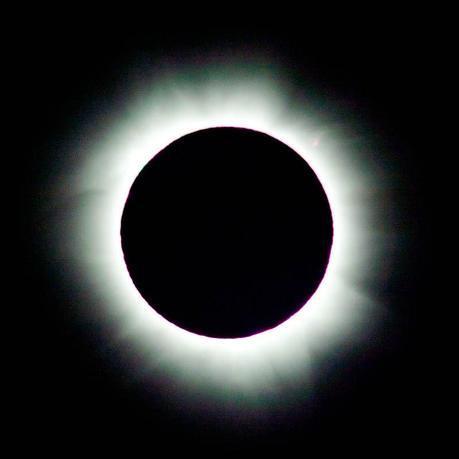 Total solar eclipses 2013 close-up