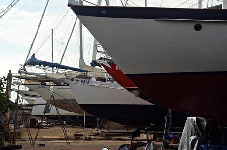 Sailboat bows