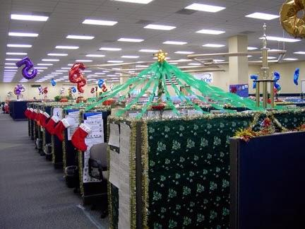 Office cubicles holiday decor ideas paperblog for Cubicle decoration xmas