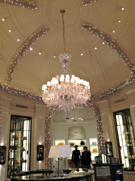 Bergdorf goodman s shoe salon a tour inside paperblog - Bergdorf goodman salon ...