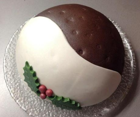 Alternative Decoration For Christmas Cake : Chocolate Christmas Pudding Cake - Paperblog