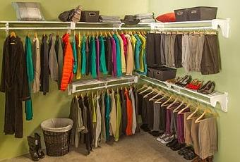 Walk in deluxe closet kit 60 total feet of storage 30 for Walk in wardrobe kits