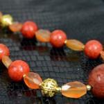 Photo handmade sponge coral necklace