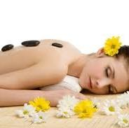 Why to Choose Hot Stone Massage Therapy for Staying Healthy