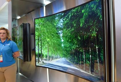 Samsung Shows Off Its Bendable TV @ CES 2014