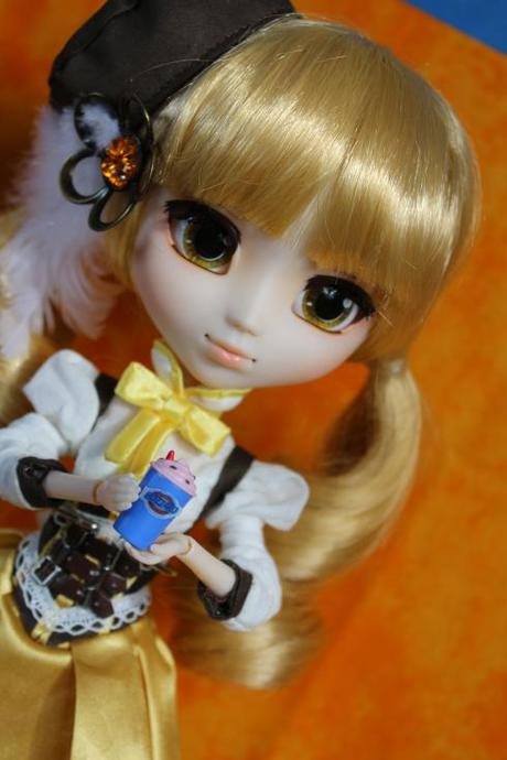 Pullip with MiWorld DQ drink