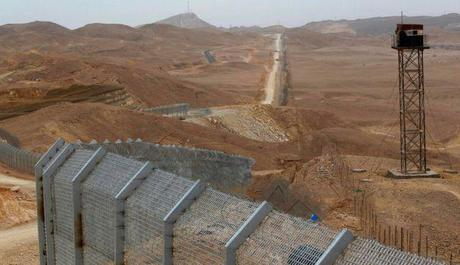 Egypt-Israel border fence, old and new