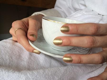 Golden Globes Mani: Maria Menounos and Caitlin FitzGerald - butter LONDON