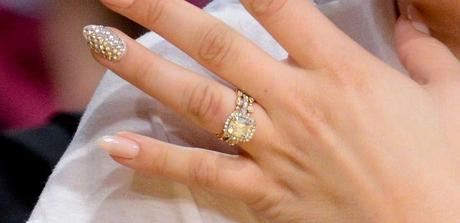 Kaley Cuoco Engagement ring and wedding bands