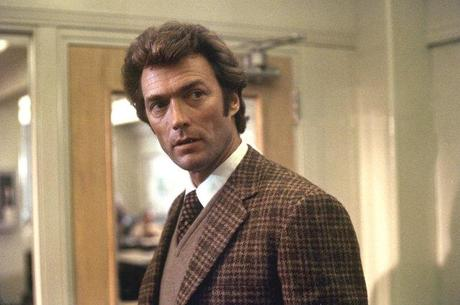 Still of Clint Eastwood in Dirty Harry (1971)