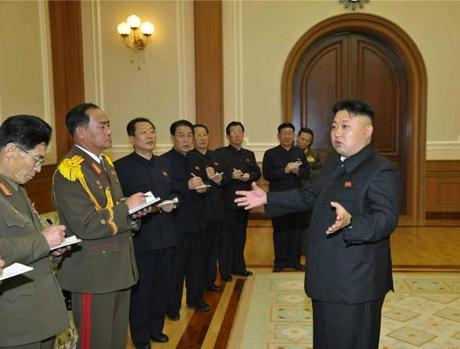 Kim Jong Un (R) speaks to senior party and KPA officials after a performance by the KPA Military Band (Photo: Rodong Sinmun).