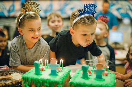 A Minecraft Birthday! {Why Do They Have To Grow Up!}