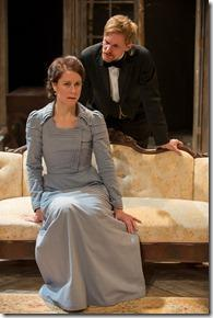 Review: Hedda Gabler (Writers Theatre)