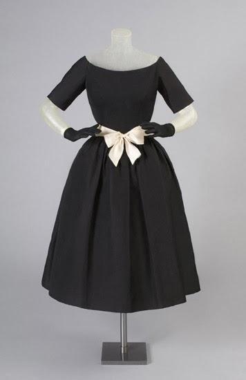 Vintage Black Dress - Paperblog