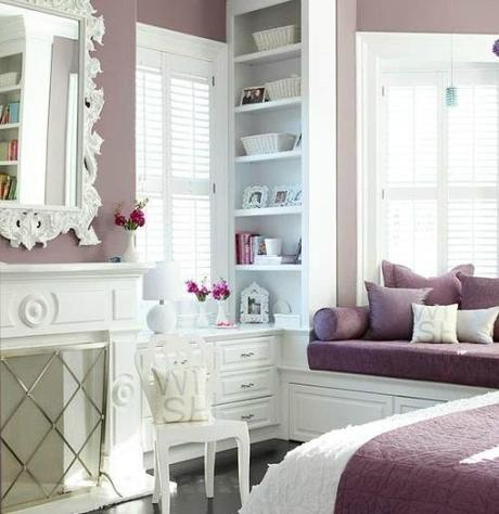 Color snapshot sherwin williams exclusive plum paperblog for Exclusive plum bedroom