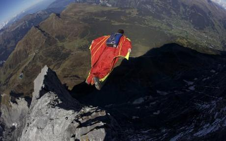 Wingsuit Pilot Intends To Jump From Summit Of Everest