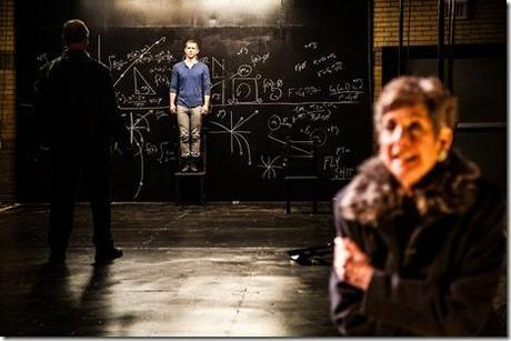 Review: hamlet is dead. no gravity (Red Tape Theatre)