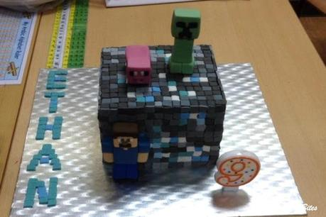 Minecraft Diamond Ore Cake-1