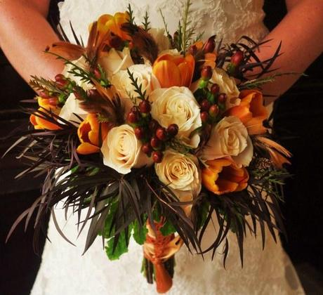 Bridal bouquet with brown accents