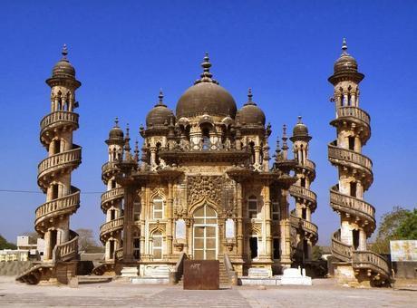 Gujarat Tours – An Assortment of Diverse Culture, Inheritance and Spirituality