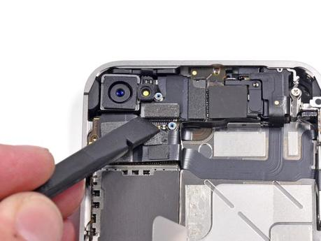 iPhone 4S Teardown by iFixit