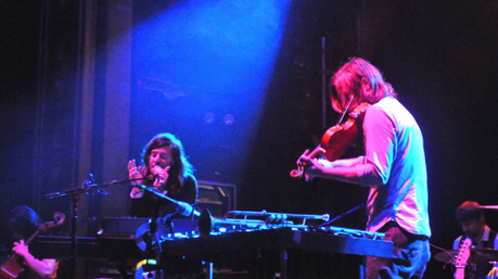 lives11 550x308 MATES OF STATE PLAYED WEBSTER HALL [PHOTOS]