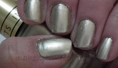 Swatches:Nail Polish:Barry M : Barry M Gold Foil Nail Polish Swatches
