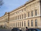 Façade Louvre: Huge Billboards