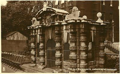 Halloween London… The Friday Postcard 21st October 1943