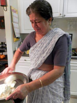 Channar Jilipi - Ma kneading