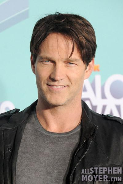 Stephen Moyer arrives at the 3rd Annual TeenNick HALO Awards