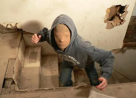 Mandatory jail terms for juvenile knife crime