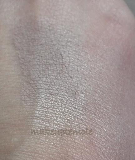 Product Reviews: Blush:Dainty Doll by Nicola Roberts:Dainty Doll by Nicola Roberts Money Talks Blush Review & Swatches