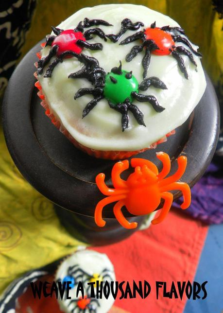 Spidery Cupcakes -02