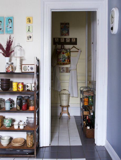 A sweet, vintage tresure-filled Toronto home