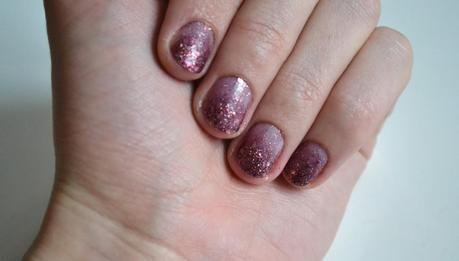 Ombre burgundy glitter nails