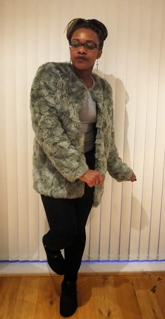 NIKE AIR MAX 1 PREMIUM TAPE REFLECTIVE TIGER GREY H&M FUR COAT JACKET