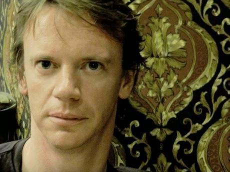 Meet Simon Lewis, Writer. - Paperblog
