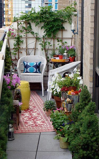 small balcony decorating ideas @Simone Design Blog
