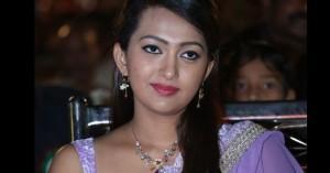 ester-noronha-new-photos-1000-abaddaalu-bheemavaram-bullodu-heroine-pics