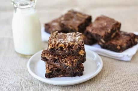 http://recipes.sandhira.com/snicker-brownies.html