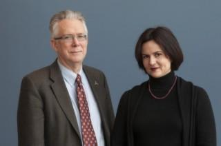 Willett Kempton and Cristina Archer, faculty members in the University of Delaware's College of Earth, Ocean, and Environment.
