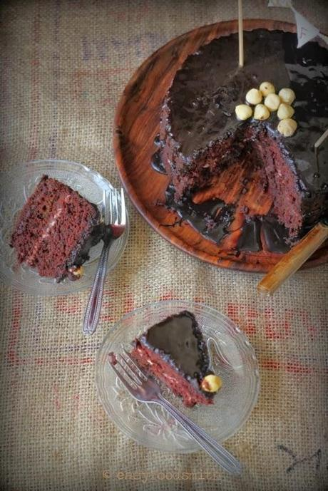 Celebrating EFS Blog's 3rd Bloganniversary w/ BLITZ & BAKE BEETROOT CHOCOLATE CAKE (Eggless)