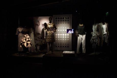 Dries-van-noten-exhibition-09_202855514845.jpg_gallery_max