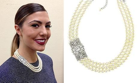 pearl girlHow to Wear a Bold Statement Pearl Necklace