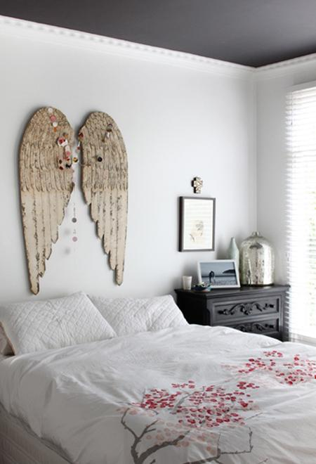 bedroom-with-angel-wings