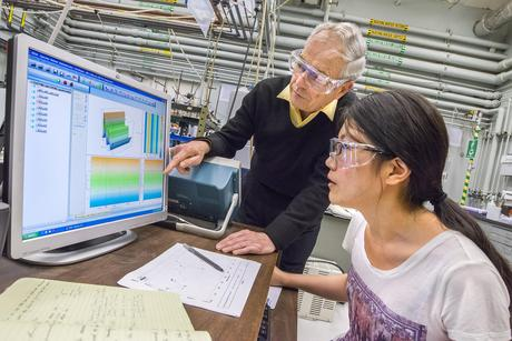 Berkeley Lab's Heinz Frei and Miao Zhang obtained the first direct temporally resolved observations of intermediate steps in water oxidation using the Earth-abundant catalyst cobalt oxide