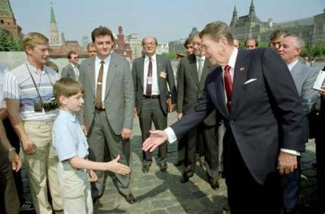 Putin-Reagan-Souza-1988-600x396